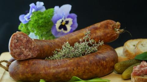 sausage-556491_1920.jpg